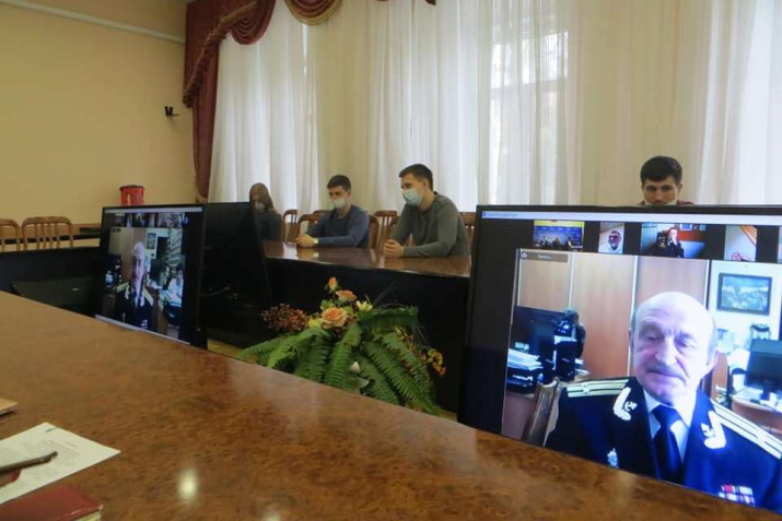 В мероприятии по видеосвязи участвовали представители Москвы, Севастополя, общественных организаций региона