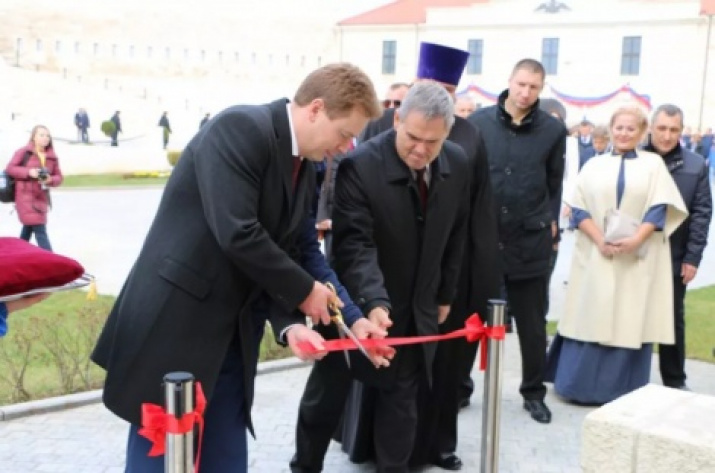 Governor of Sevastopol Dmitry Ovsyannikov at the opening of the first stage of the museum-exhibition complex «Konstantinovskaya battery». Photo from the website sevastopol.gov.ru