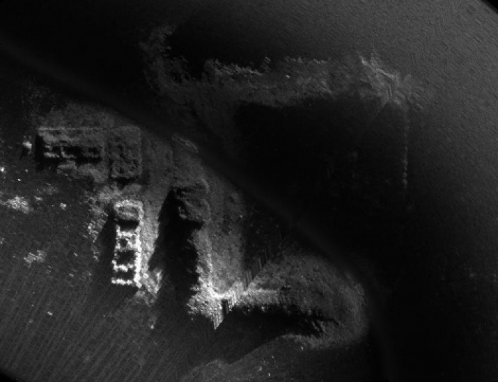 The fragments of the sonar image of the monastery «Yugskaya Dorofeev Desert». Provided by the expedition members