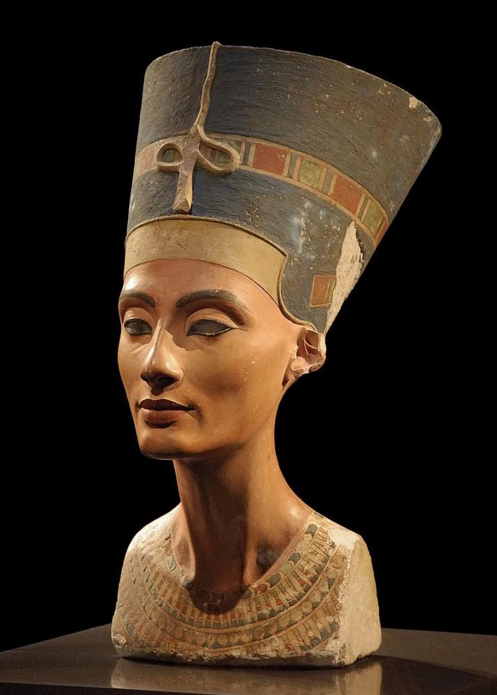 Бюст царицы Нефертити. Берлинский музей. Амарнский период. Фото: Philip Pikart