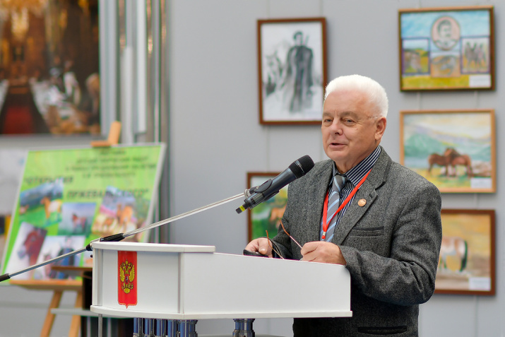 Выступление С. Евдокимова. Фото: Геннадий Дубино