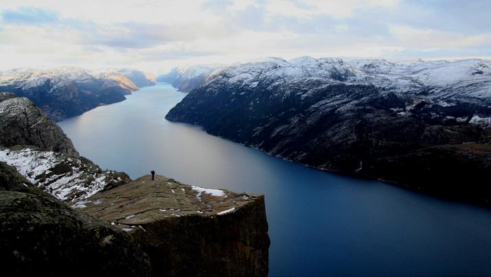 Вид на Прекестулен и Люсе-фьорд. Фото: wikipedia.org