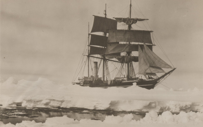 """""""Терра Нова"""" в декабре 1910 года. Фото Г. Понтинга. Источник: wikipedia.org"""