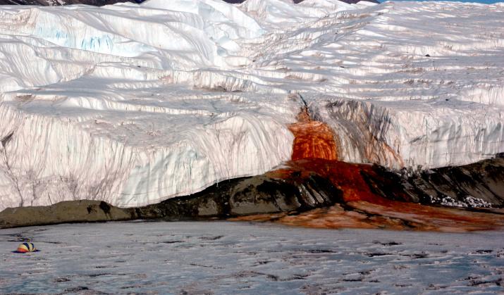 Кровавый водопад. Фото: wikipedia.org