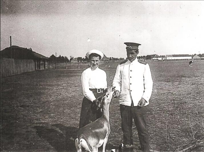Петр и Елизавета Козловы в заповеднике Аскания-Нова. Около 1913 года. Фото с сайта музея П.К. Козлова