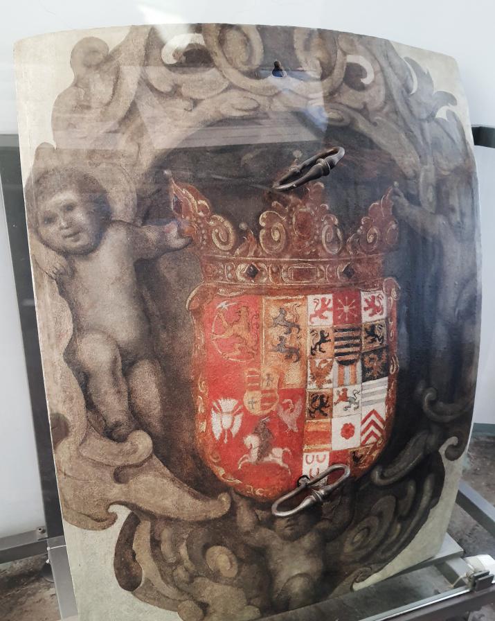 Дверь глобуса с гербом Фридриха III. Фото: Ольга Ладыгина