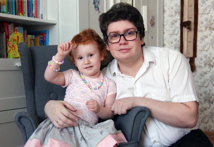 Игорь Окунев с дочерью Лией. Фото: домашний архив семьи Окуневых