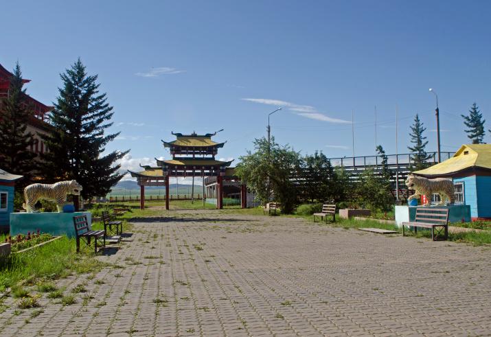 Вид на Южные ворота Иволгинского дацана. Фото: Ольга Ладыгина