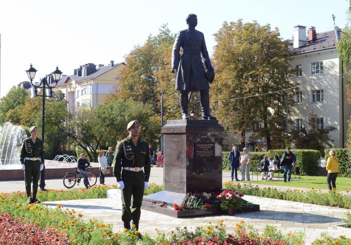 Памятник Н.М. Пржевальскому в Смоленске. Фото: Светлана Волосевич