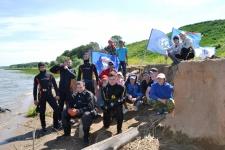 Члены молодежного подводного исследовательского отряда со своими наставниками во время экспедиции «Святыни Татарстана»
