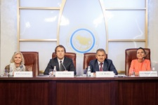 From left to right: Natalia Solovyova, Ruslan Baysarov, Sergei Shoigu, Anastasia Chernobrovina