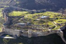 Фото. Цитадель VI века и крепостные сооружения Дербента (объект Всемирного наследия ЮНЕСКО в России)