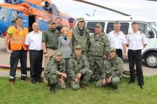 """Команда экспедиции """"Дуглас ждет!"""" перед вылетом. Фото: Оксана Прокопова"""