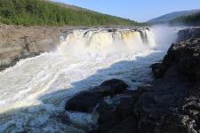 Большой Курейский водопад. Фото: Евгений Сазонов
