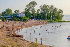 Пляж «Локомотив»
