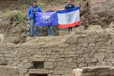 Участники экспедиции на раскопках христианского храма под Судаком