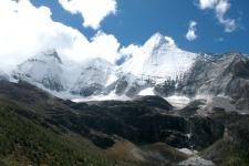 Высокогорные районы Тибета (Фото И. Похвалин)