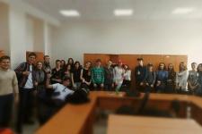 Волонтеры Молодёжного Клуба ТОО РГО со школьниками