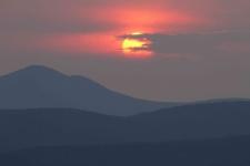 Джугджур в закатный час. Фото предоставлено участниками экспедиции