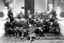 А.Е. Снесарев с группой сослуживцев ТуркВО. Фото с сайта snesarev.ru