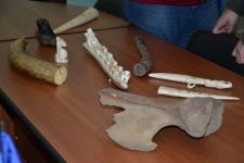 Передача косторезной коллекции О.В.Волынкина Музею камня