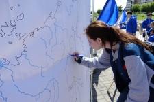 Интерактив с картой: участники акции рисуют карту Челнинского района