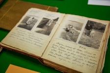 Передача архива семьи Янковских ОИАК. Фото: Маргарита Кузнецова