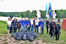 Команда по очистке озера Лесное