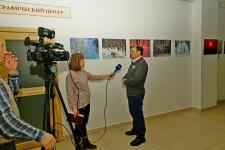 Михаил Корнев на открытии выставки