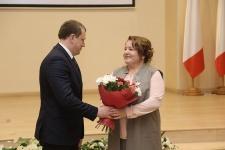 Награждение Н. В. Думнич