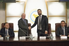 The signing of an agreement between the Russian Geographical Society and the «Mountainous Abkhazia» foundation. Photo by the press-service of the Russian Geographical Society