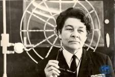А.И. Щетинина на лекции по управлению судном, 1971 год. Фото из архива ПКО РГО - ОИАК