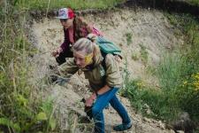 Геологи за работой в устье оврага Зеркала (фото И.Климов).