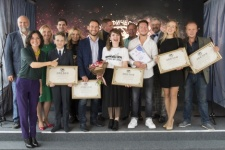 "Winners of the ""Best guide of Russia"" contest and members of the jury. Photo by: the press service of the Society"