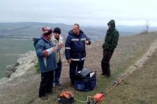 Обсуждение результатов эксперимента членами экспедиции (Фото: С. Токарев)
