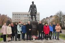 Возложение цветов к памятнику Н.М. Пржевальского