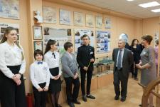 Экскурсия в школьном музее. Фото: Григорий Кравченко