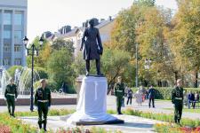 Памятник Николаю Пржевальскому в Смоленске. Фото: Елена Лагутина