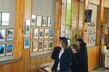 Посетители фотовыставки. Фото предоставлено Курганским областным краеведческим музеем.