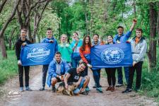 Участники эко-волонтерского лагеря – активисты молодежного клуба РГО Фото: К. Гасица, Ю. Гранько.