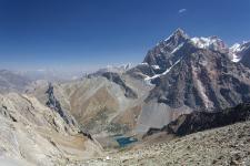 Вид с перевала Алаудин на оз. Алаудин. Фото Валерия Якимова