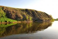 Вид с реки Урал на памятник природы регионального значения Скалистый яр