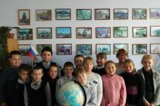 Учащиеся Пивкинской СОШ. Фото предоставлено Молодежным клубом Курганского отделения РГО.