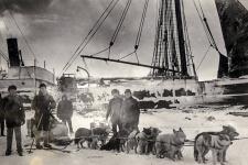 Зимовка экспедиции Г.Я. Седова 1912-1913 годов на Новой Земле. Фото: Научный архив РГО