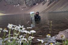 Елена Воронцова и её пейзаж. Фото: Эрнст Антонов