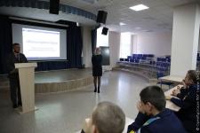 Александр Тюрин на встрече с кадетами. Фото ОПКУ