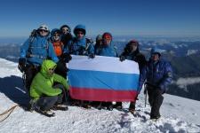 Предприниматели развернут российский флаг на пике Винсон