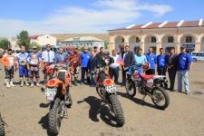 Участники мотопробега в городе Кяхта
