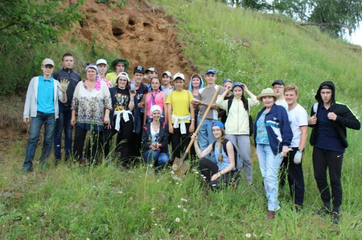 Участники экспедиции на месторождение волконскоита. Фото предоставлено КОО РГО