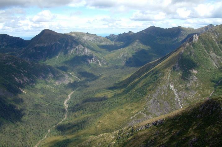 Хребет Дуссе-Алинь, верховья р. Курайгагна.